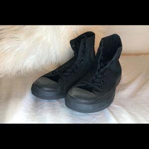 Black high top converse 👑